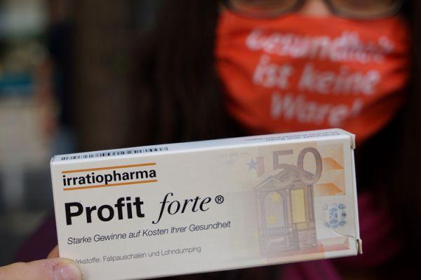 """Schachtel """"Profit forte mit Beipackzettel"""" / Gesundheit vor Profit"""
