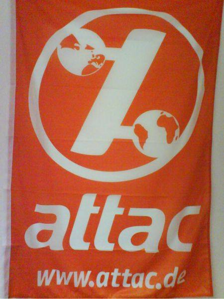 Attac Fahne orange/weiß mit Logo und Website