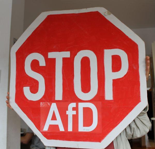 """Aufkleber: """"AfD"""", rot, groß"""